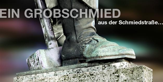 """Schmiede Aachen - Grafik mit einem Ausschnitt des schweren Stiefels der Bronzeskulptur des Bildhauers Carl Burger von 1909 """"Wehrhafter Schmied von Aachen"""". Grafik: Michael Hammers"""