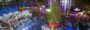 Michael Hammers' Swarovski Star krönt den berühmtesten Weihnachtsbaum der Welt zum 11.Mal, Christmas in Rockefeller Center, NYC, 3.12.2014  bild: dpa picture-alliance